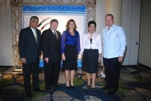 Fausto Fernández, Jim Meek, Luisa Féliz, Esperanza Lithgow y Gustavo de Hostos