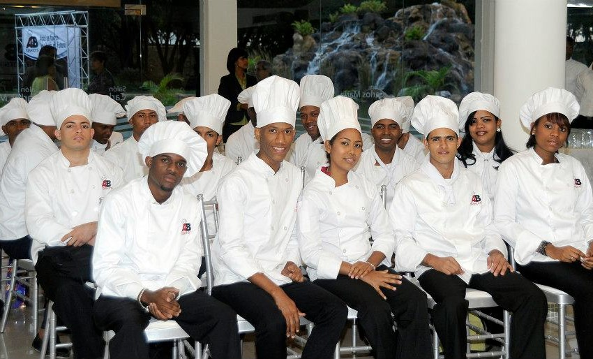 "A&B Masters lanza proyecto ""300 Chefs para RD"""