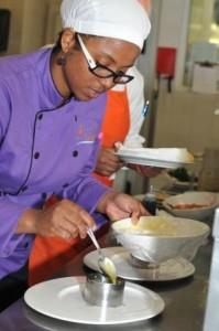 la chefa en cocina