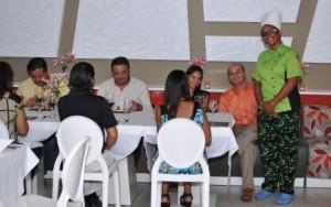 LA Chefa y grupo amigos