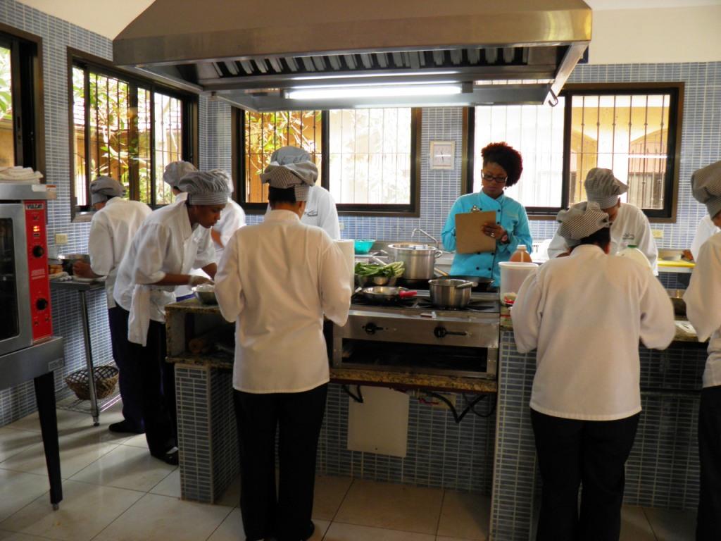 Taller de nueva cocina dominicana en jarabacoacocina for Cocina dominicana