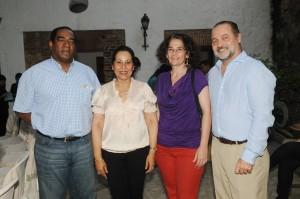 Foto 2- Teo Terrero,  María Teresa de Catrain, Lidia León y Mario Lebrón