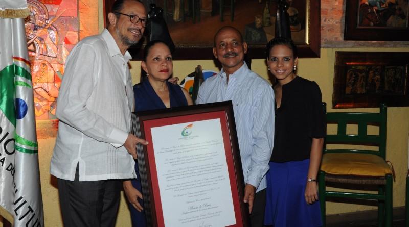 Ministerio de Cultura reconoce restaurante Mesón de Bari
